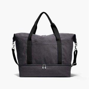 Lo & Sons, Catalina Weekender Bag; Color: Ash